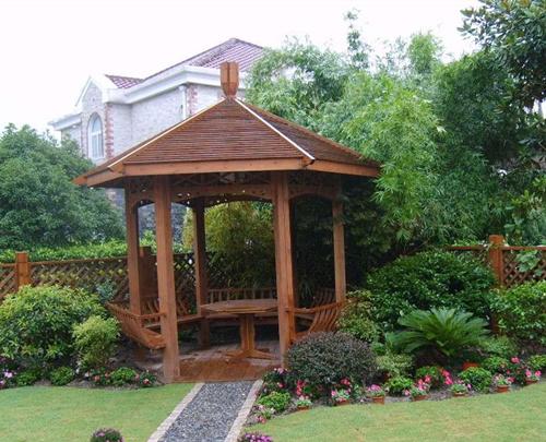 菠萝格,芬兰木,等多品种中高端木材,并承接各种室内外防腐木,木制凉亭